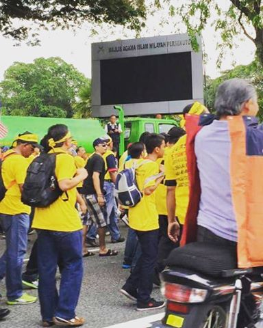 Bersih4 Currently happening in front of Masjid Negara The crowdhellip