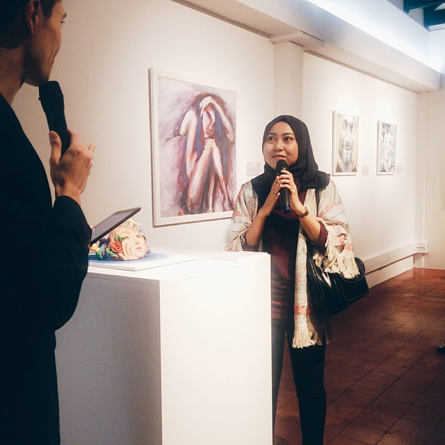 #LOT123, the new creative space at @nandosmy's Chinatown outlet has been unveiled and here we have one of the young Malaysian artists to explain the inspiration behind her artworks :) #NandosMY #Nando #NAI2015