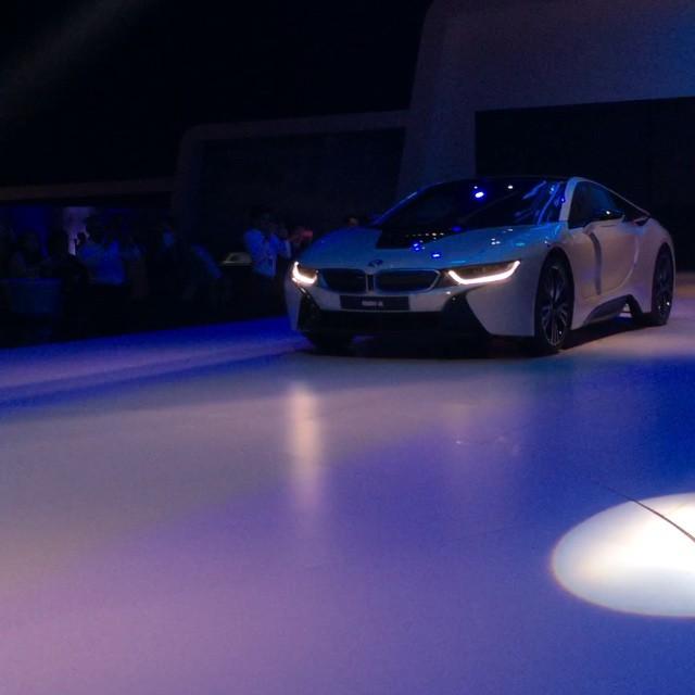 Simply amazing. Oh just what wouldn't we give to own our very own BMW i8. ?? #bmw #i8 #bmwi8 #bmwmy #bmwworld #bmwworld #bmwworldmalaysia